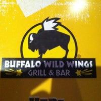 Foto tirada no(a) Buffalo Wild Wings por Kyle S. em 4/20/2012