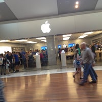 Photo taken at Apple Chermside by In-Dong P. on 6/3/2012