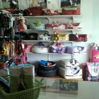 Photo taken at Petstop by Angélica F. on 4/24/2012