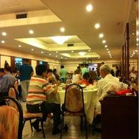 Photo taken at 香満楼 by Yun Peng H. on 8/26/2012