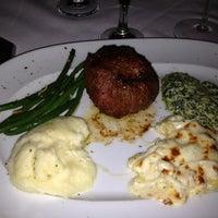 Das Foto wurde bei Mastro's Steakhouse von Jenny M. am 9/2/2012 aufgenommen