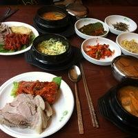 Photo taken at 놀부보쌈 by Seokwon L. on 5/17/2012