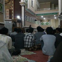 Photo taken at Masjid Agung Al-Makmur by Riwanul N. on 6/7/2012