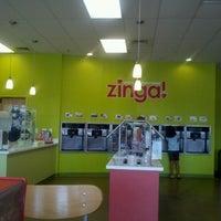 รูปภาพถ่ายที่ Zinga โดย APRIL เมื่อ 9/1/2012