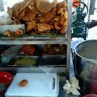 Photo taken at Cendol & Rojak Taman Bahagia by Steve L. on 2/10/2012