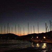 8/29/2012 tarihinde Emrah B.ziyaretçi tarafından Octopus Restaurant'de çekilen fotoğraf