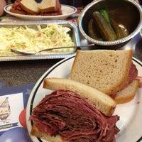 6/18/2012에 Greg C.님이 Ben's Kosher Delicatessen에서 찍은 사진