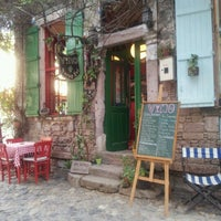 Foto tomada en Vino Şarap Evi por ece e. el 7/30/2012
