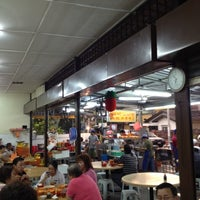 Photo taken at Heng Kee Bak Kut Teh 兴记肉骨茶 by Elvin S. on 5/9/2012