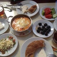 8/26/2012 tarihinde Buket T.ziyaretçi tarafından Çakmak Kahvaltı Salonu'de çekilen fotoğraf