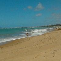 Foto tirada no(a) Praia de Guaxuma por Daniel L. em 5/27/2012