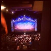Foto tomada en Ellie Caulkins Opera House por Ryan G. el 8/30/2012