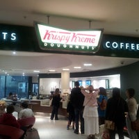 Photo taken at Krispy Kreme by Elio Assuncao D. on 7/14/2012