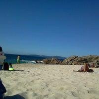 Photo taken at Praia de Fortiñón by Brais S. on 9/13/2012