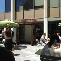 Photo taken at La Boulange de Palo Alto by Ritesh U. on 8/6/2012