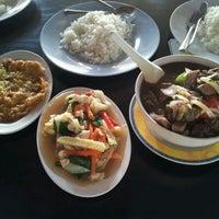 Photo taken at cengkih restoran & cafe by Lina H. on 5/23/2012