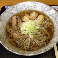 Photo taken at 冷たい肉そば専門店かほく by Yuuizu on 8/15/2012