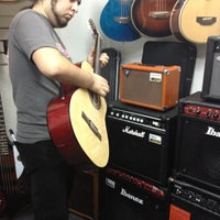 Photo taken at Queen Instrumentos Musicales by Daniela R. on 6/5/2012