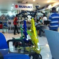 Photo taken at Moto by Digen V. on 7/24/2012