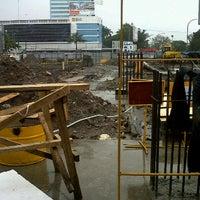 Photo taken at Project Pembangunan Hotel Karebisi ( Makassar ) by fajar F. on 3/4/2012