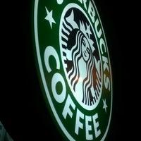 3/16/2012 tarihinde Ersin Ö.ziyaretçi tarafından Starbucks'de çekilen fotoğraf