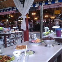 Photo taken at Restoran Man Tomyam by Adeeb A. on 8/3/2012