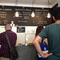 Foto tirada no(a) NOODELI - Pasta Take Away por Markus E. em 7/27/2012