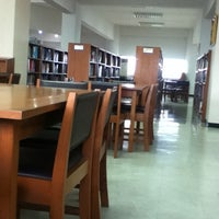 Photo taken at Library of Business @RMUTT by yuri k. on 7/23/2012