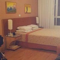 Foto tirada no(a) Harbor Regent Suites por Anilu C. em 6/3/2012