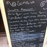 รูปภาพถ่ายที่ Semolina Kafe & Restoran โดย Tuba K. เมื่อ 3/25/2012