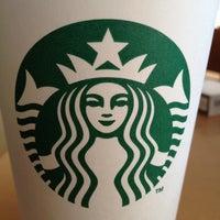 3/5/2012 tarihinde Ismail H.ziyaretçi tarafından Starbucks'de çekilen fotoğraf