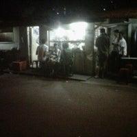Photo taken at Nasi uduk ibu wiri by Hengky W. on 5/5/2012