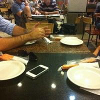 Foto tirada no(a) Praça de Alimentação por Thiago C. em 9/4/2012