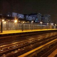 5/9/2012 tarihinde asianziyaretçi tarafından MTA Subway - 161st St/Yankee Stadium (4/B/D)'de çekilen fotoğraf