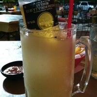 Foto tomada en La Parrilla Mexican Restaurant por Chris M. el 7/20/2012