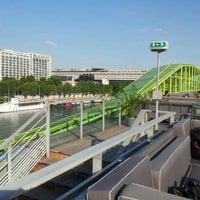Das Foto wurde bei Les Docks – Cité de la Mode et du Design von Virginie N. am 8/8/2012 aufgenommen