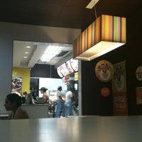 Foto tirada no(a) McDonald's por Carol em 4/20/2012