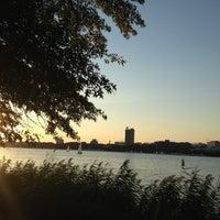 Foto scattata a The Esplanade da Maddie C. il 9/13/2012