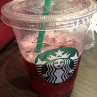 Photo prise au Starbucks par Jingxi H. le8/1/2012