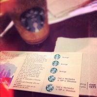 Снимок сделан в Starbucks пользователем Mark Ryan K. 5/3/2012