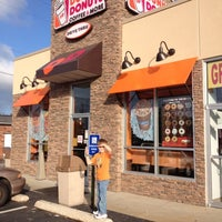 Photo taken at Dunkin Donuts by Danni E. on 6/1/2012