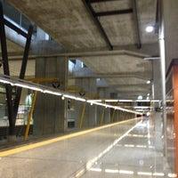 Foto tomada en Cercanías Aeropuerto T4 por Fernando Angel C. el 4/20/2012