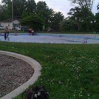 Das Foto wurde bei Bates Park Wading Pool von Marquis C. am 5/4/2012 aufgenommen