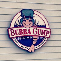 Photo taken at Bubba Gump Shrimp Co. by Mikhail S. on 8/5/2012