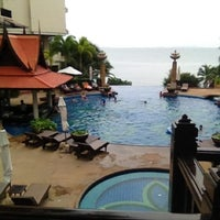 Photo taken at Garden Cliff Resort & Spa by Evy E. on 8/3/2012