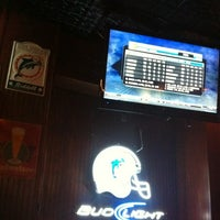 Photo taken at Tom's NFL American Sports Bar & Grill by Paty G. on 3/15/2012