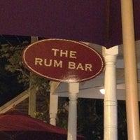 Foto tirada no(a) Rum Bar at the Speakeasy Inn por Gunnar H. em 6/13/2012
