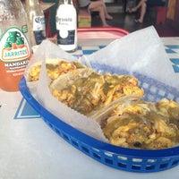 Foto scattata a Tacos A Go-Go da Chuy B. il 6/23/2012