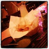 รูปภาพถ่ายที่ El Comal Mexican Restaurant โดย Matt H. เมื่อ 9/2/2012