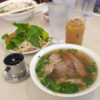 Photo taken at Pho 75 by Travel Swagger on 8/13/2012